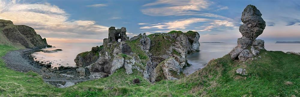 Kinbane Castle photo Antrim